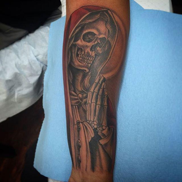 Reaper tattoo by @gust_razotattoos #reapertattoo #grimreapertattoo #reaper #grimreaper #madonnatattoo #sandiego #sandiegotattoo #sandiegotattooer #sandiegotattooshop #sandiegotattooartist #northparktattooartist
