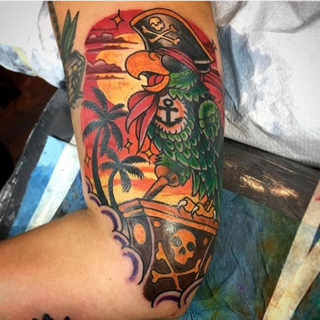 Fun parrot pirate tattoo by @chriscockadoodledo #parrottattoo #piratetattoo #sandiego #sandiegotattoo #sandiegotattooer #sandiegotattooshop #sandiegotattooartist