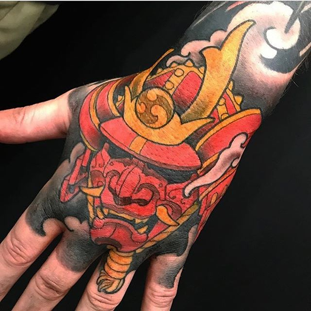 Hand tattoo by @nathanieltattoosd #handtattoo #handjammer #jobstopper #samurai #samuraitattoo #sandiegotattoo #sandiegotattooer #sandiegotattooshop #sandiegotattooartist