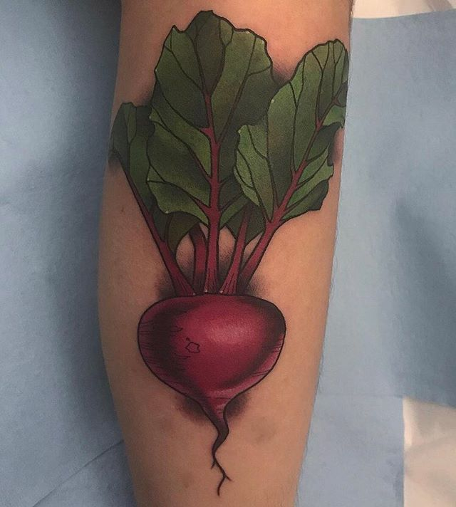 Beet tattoo by @jasmineworthtattoos #justbeetit #beettattoo #vegetabletattoo #vegetariantattoo #sandiego #sandiegotattooer #sandiegotattooer #sandiegotattooshop #sandiegotattooartist #remingtontattoo
