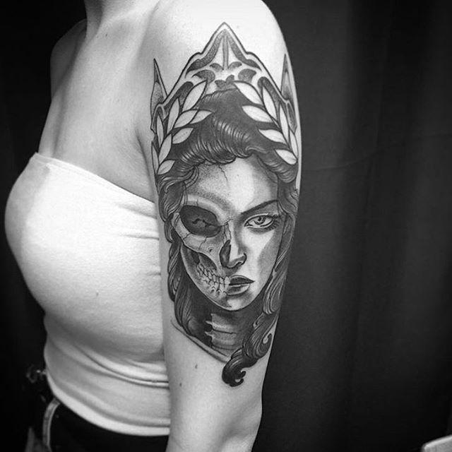 Fun walk in #tattoo done by @gust_razotattoos at #remingtontattooparlor #tattoos #walkintattoo #blackandgreytattoo #blackandgrey #sandiego #northpark #sandiegotattooartist #northparktattooartist #30th