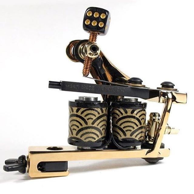 There's still a little time left to buy raffle tickets for this @timhendricks gold-plated machine for the @horichata Memorial Fundraiser. Tickets for the raffle can be purchased at SD Tattoo Supply 7202 El Cajon Blvd, Suite A, San Diego, CA 92115, or through this link tattoo-maker.com/shop/bobbyfloreslegacyraffle Raffle tickets are 1 for 10$ or 5 for 40$ Raffle will be held on June 2nd!