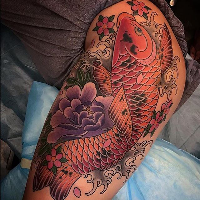 This #koifishtattoo done by @alessioricci at @remingtontattoo #koitattoo #fishtattoo #hiptattoo #japanesestyle #japanesetattoo #sandiego #sd #northpark